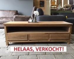 TEAK TV meubel (150×49). Normaal € 599,00 nu € 299,00!
