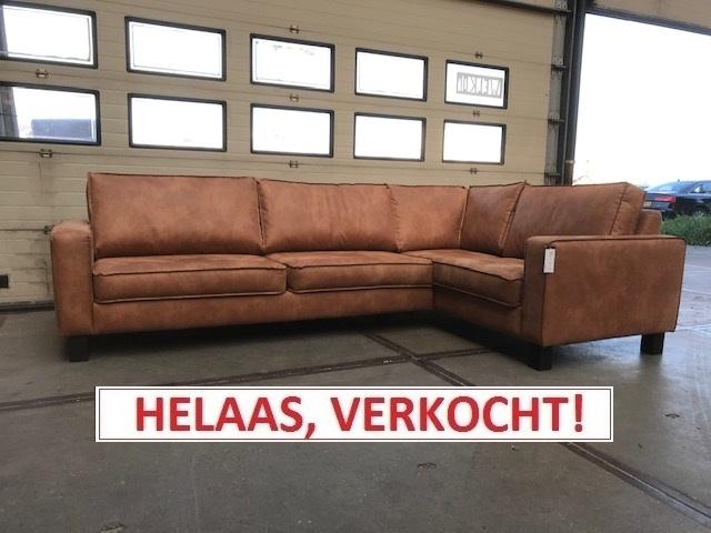 Hoekbank BUTON LEER! Normaal € 1.899,00 nu slechts € 1.199,00!